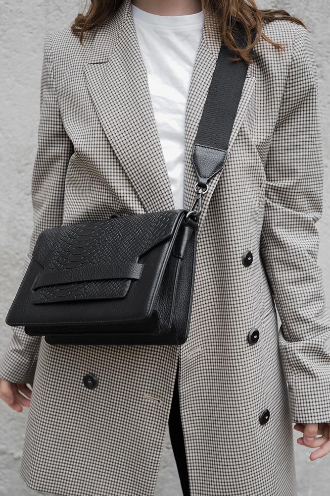 Arabella Crossbody Bag Snake - Black w/ Black-9
