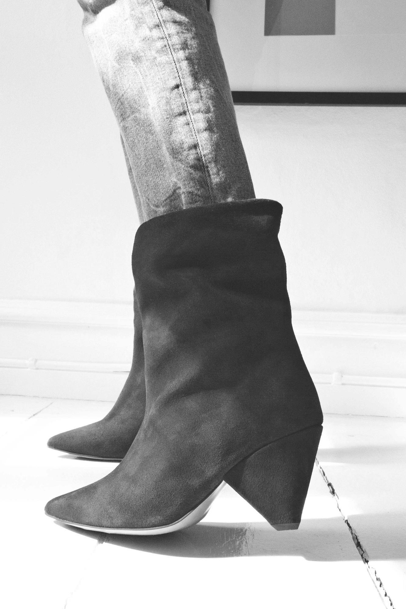 Vully 75 Triangle Calf Suede Boot - Dark Grey 38-2