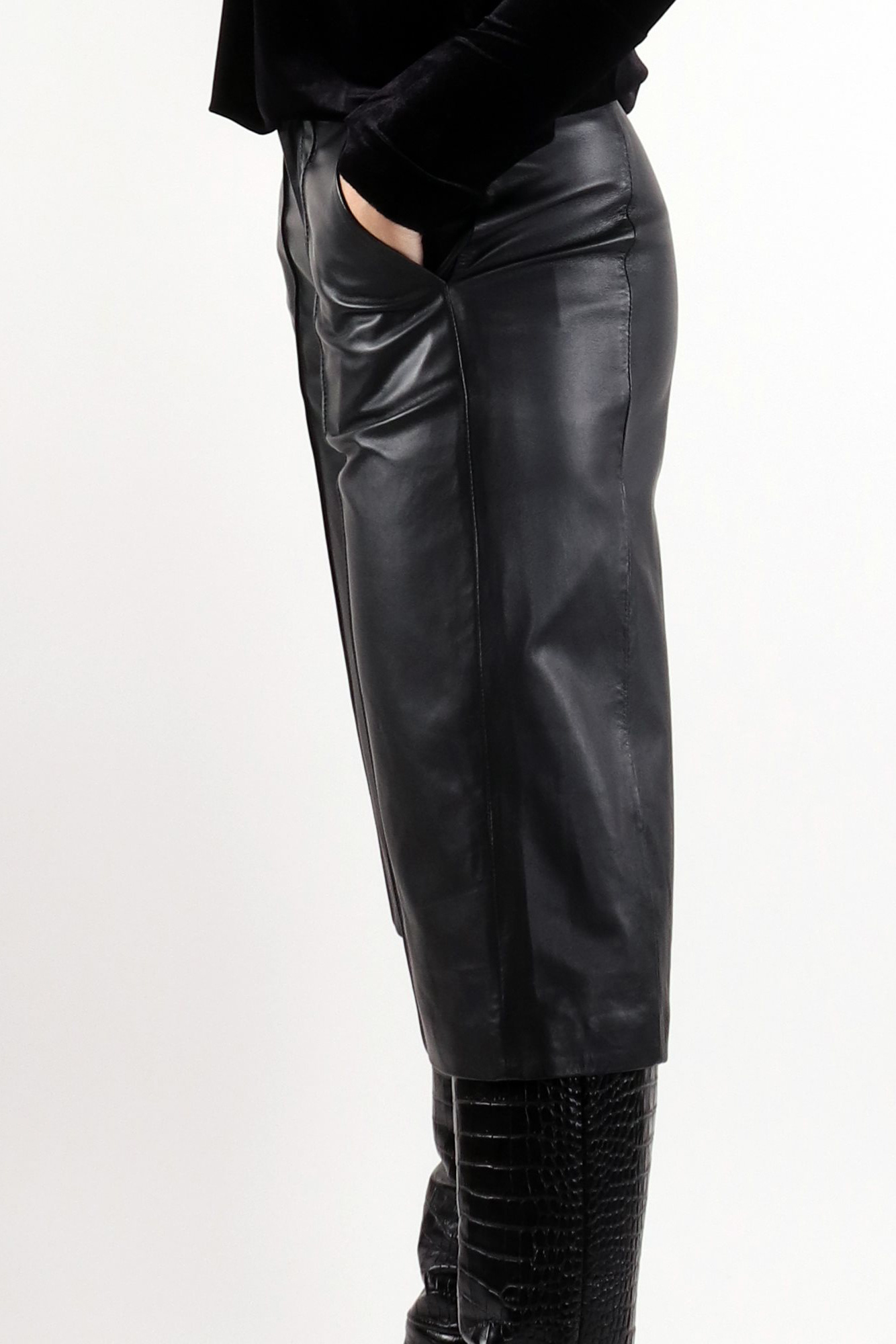 Palma Leather Culotte - Black-3
