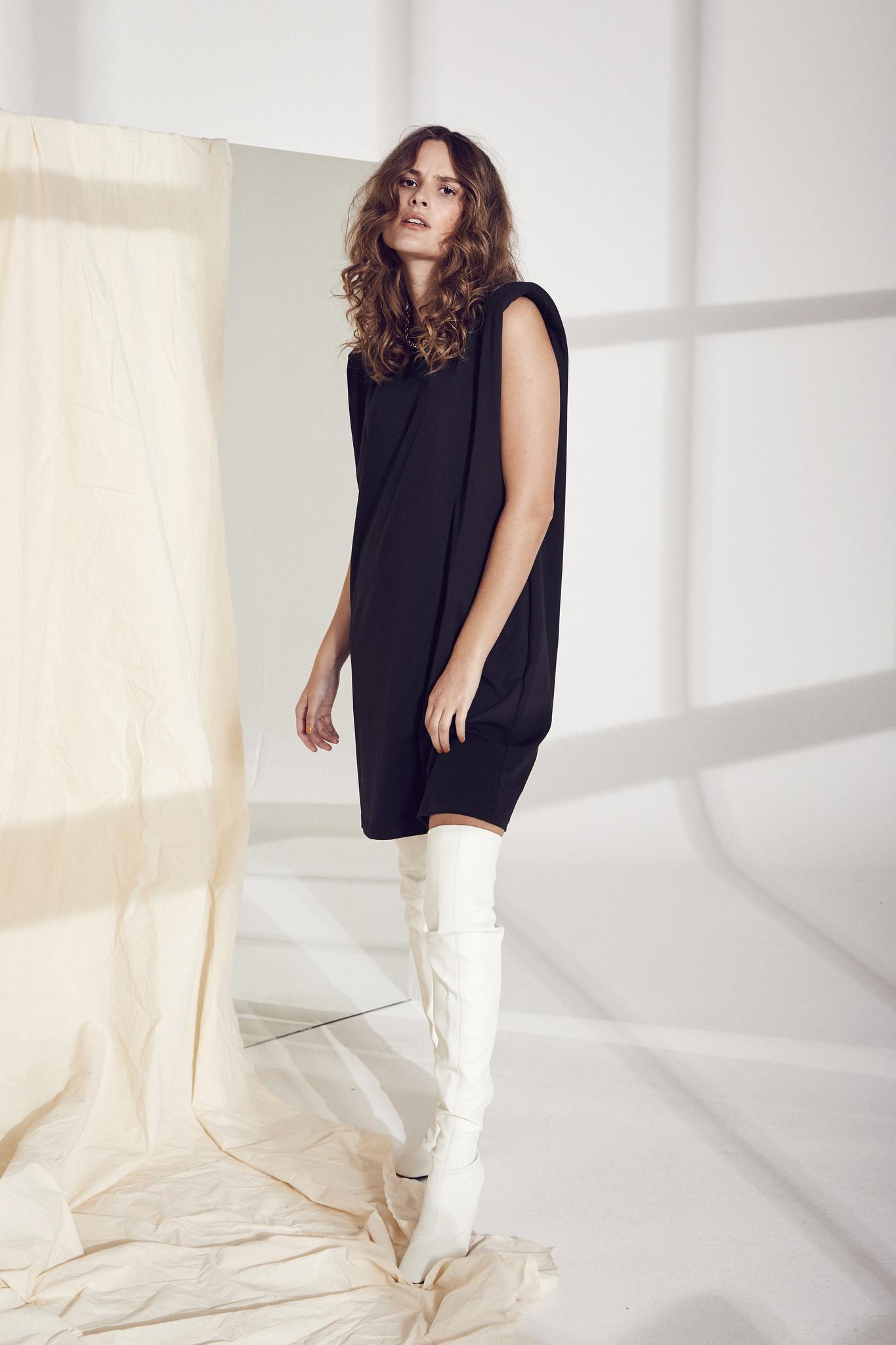 Eduarda Tee Dress - Black-2