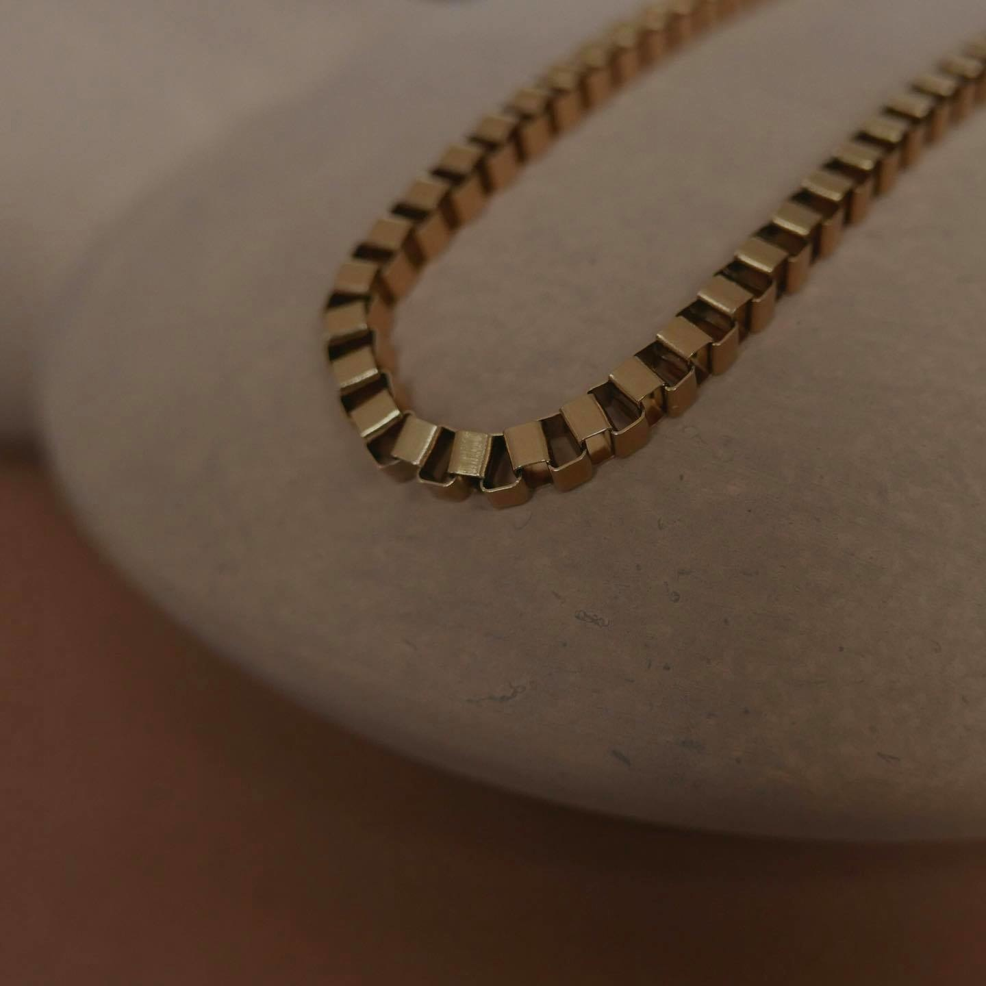 Box Chain Necklace - Gold-7