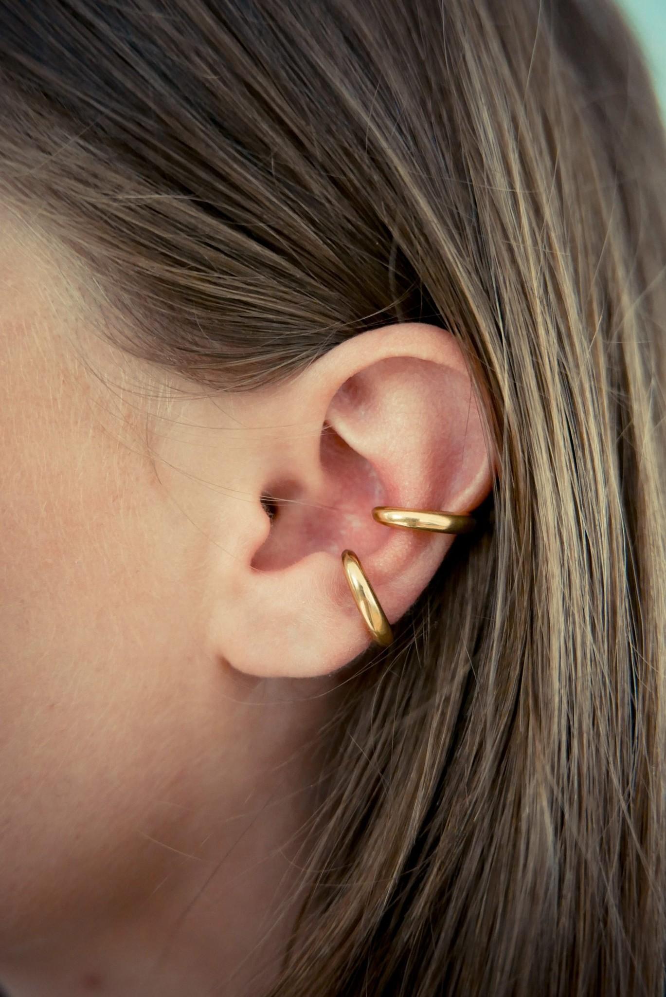 Embrace Ear Cuff - Gold-4