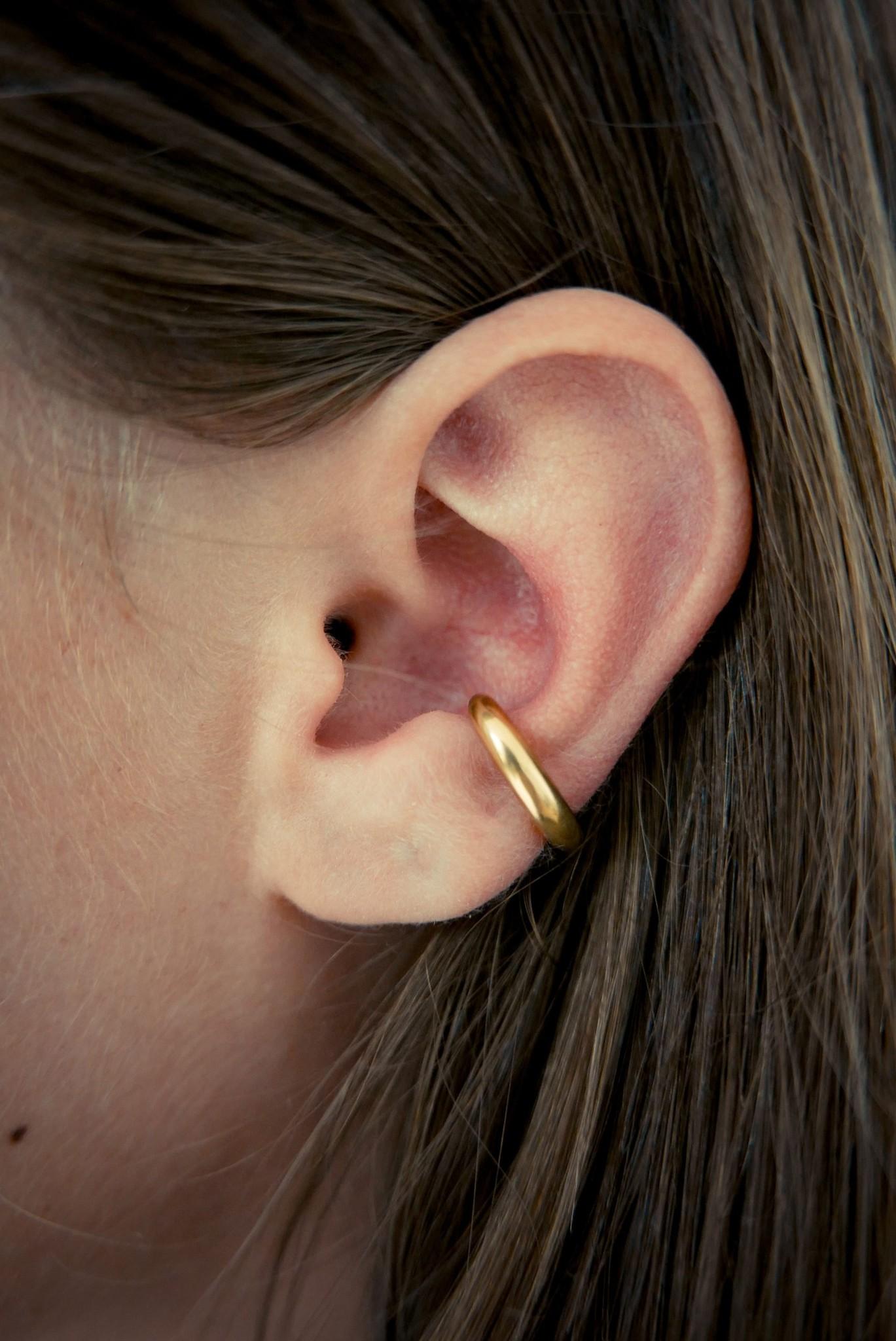 Embrace Ear Cuff - Gold-2