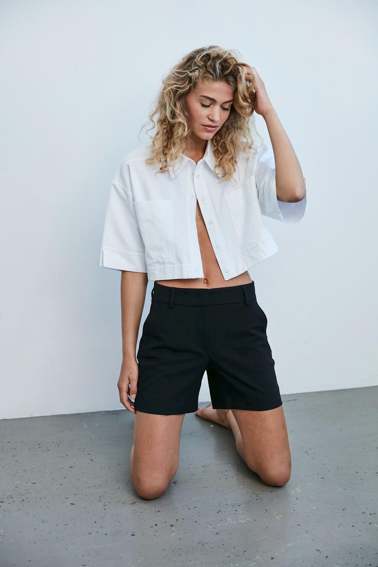 Dena Shorts 396 - Black-2