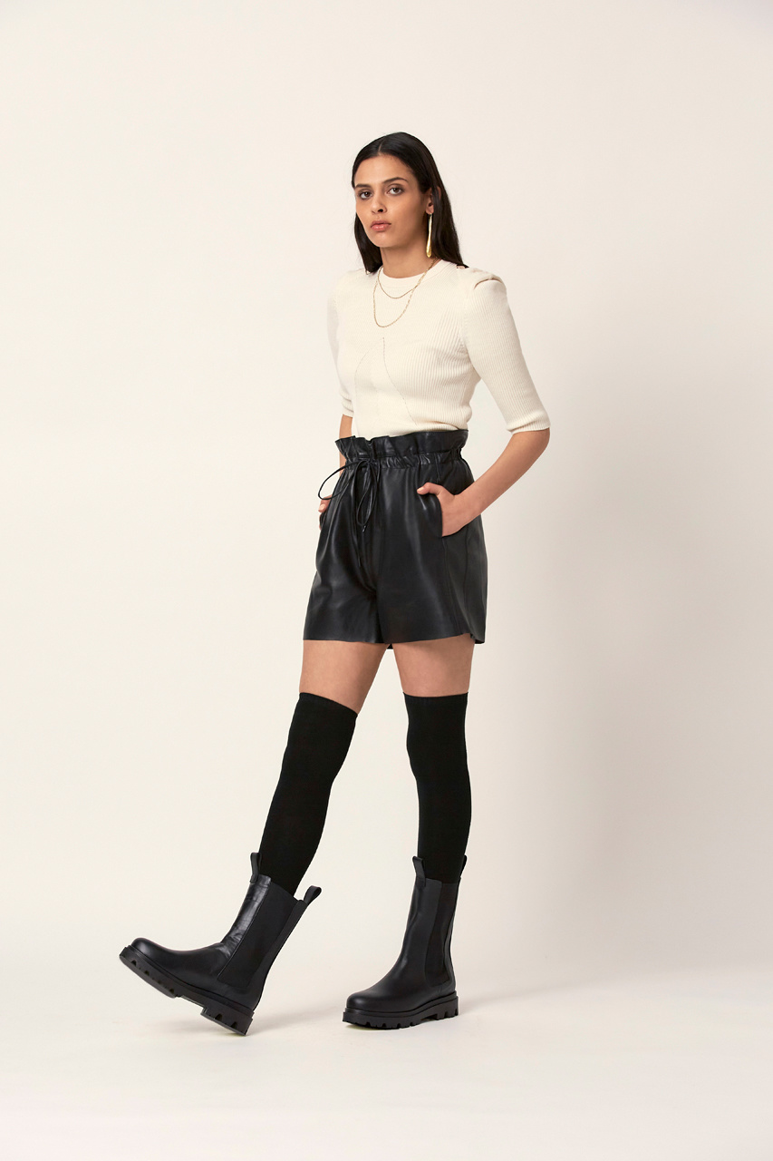 Palma Leather Short - Raven Black-2