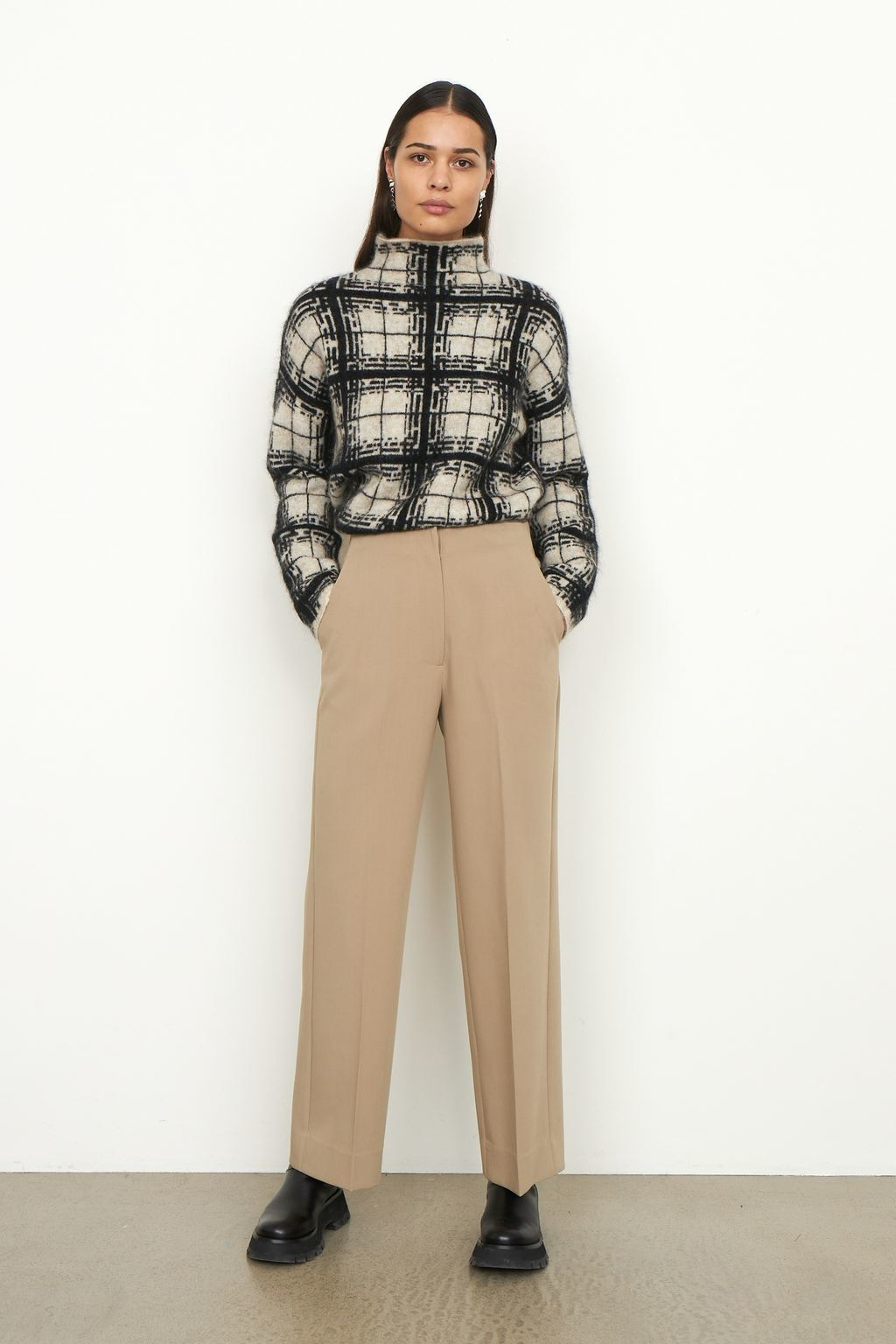 Louisa Knit T-Neck - Black-7