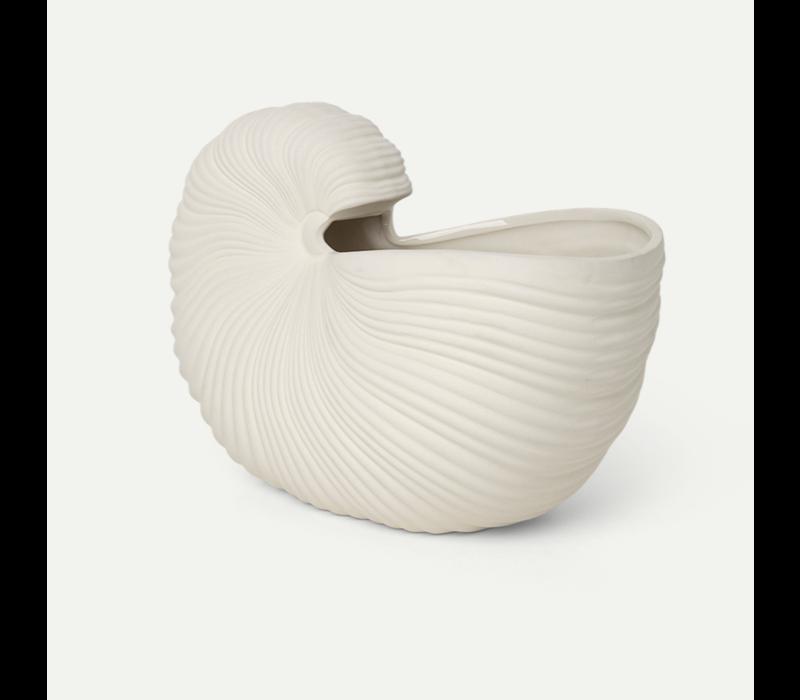Shell pot