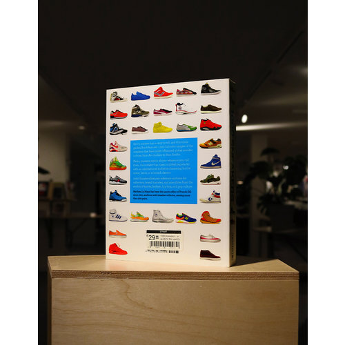 Rizzoli 1000 Sneakers : A guide to the world's greatest kicks, from sport to street
