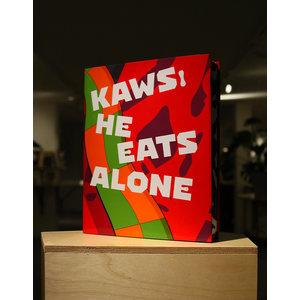 KAWS : HE EATS ALONE