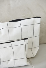 HOUSE DOCTOR HOUSE DOCTOR TOILETRY BAG SQUARES WHITE