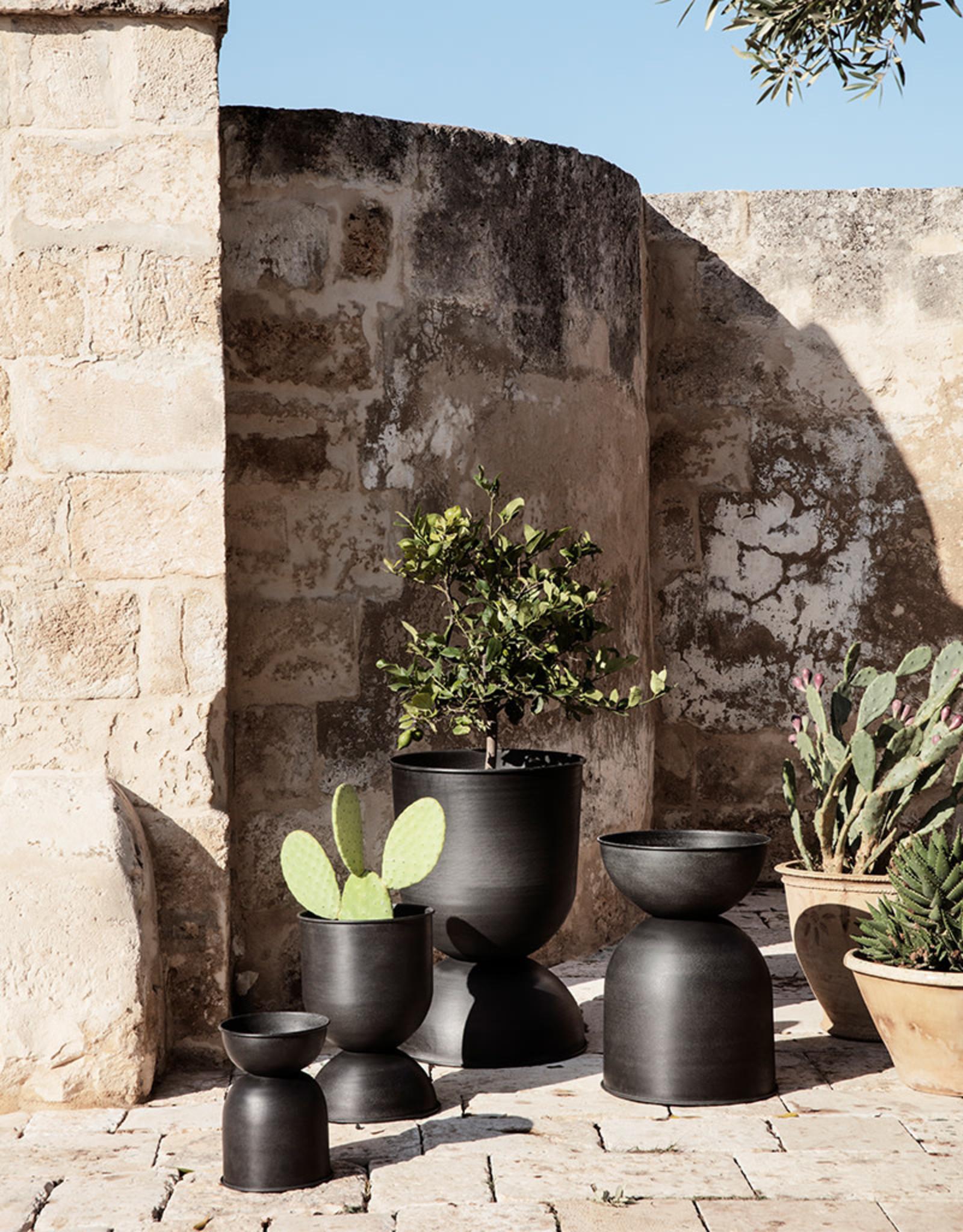 FERM LIVING FERM LIVING Hourglass Pot Extra Small