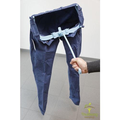Le pantalon Freya attire de l'aide