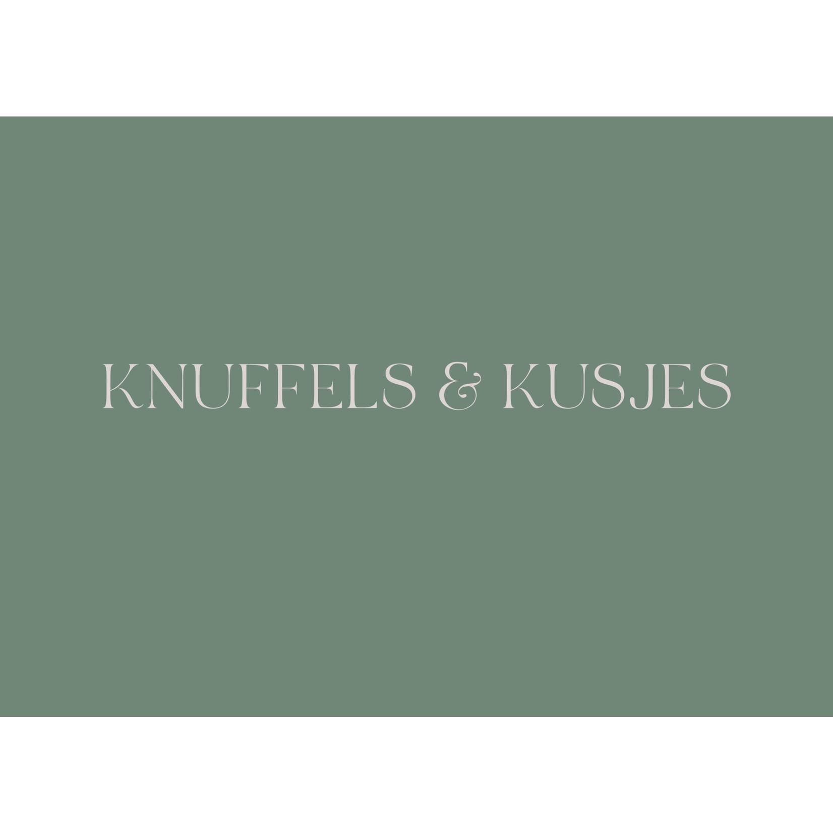 Stationery & Gift Ansichtkaart Knuffels & Kusjes