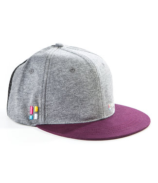 Snapback / cap with emblem - gray / red