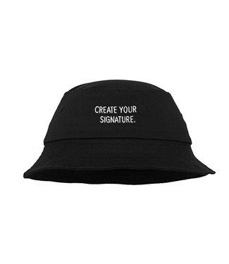 """Zwarte """"Create Your Signature""""  Bucket Hat (geborduurd)"""
