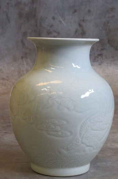 Porcelain vase Ø20xH26cm light celadon with dragon pattern-1