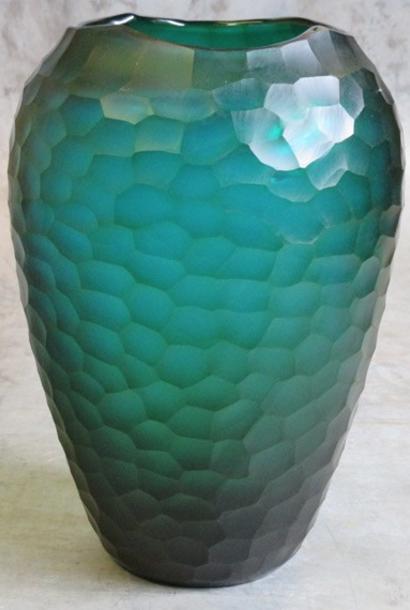 organic carved glass vase Ø23xH34 turquois