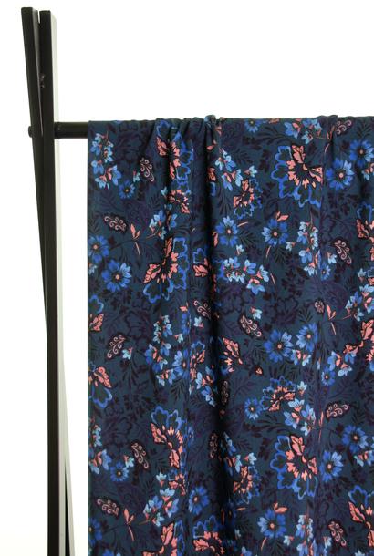 Viscose - Blauwe en roze bloemen