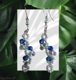 seazido - wevyra swarovski earrings Blue s-shape short