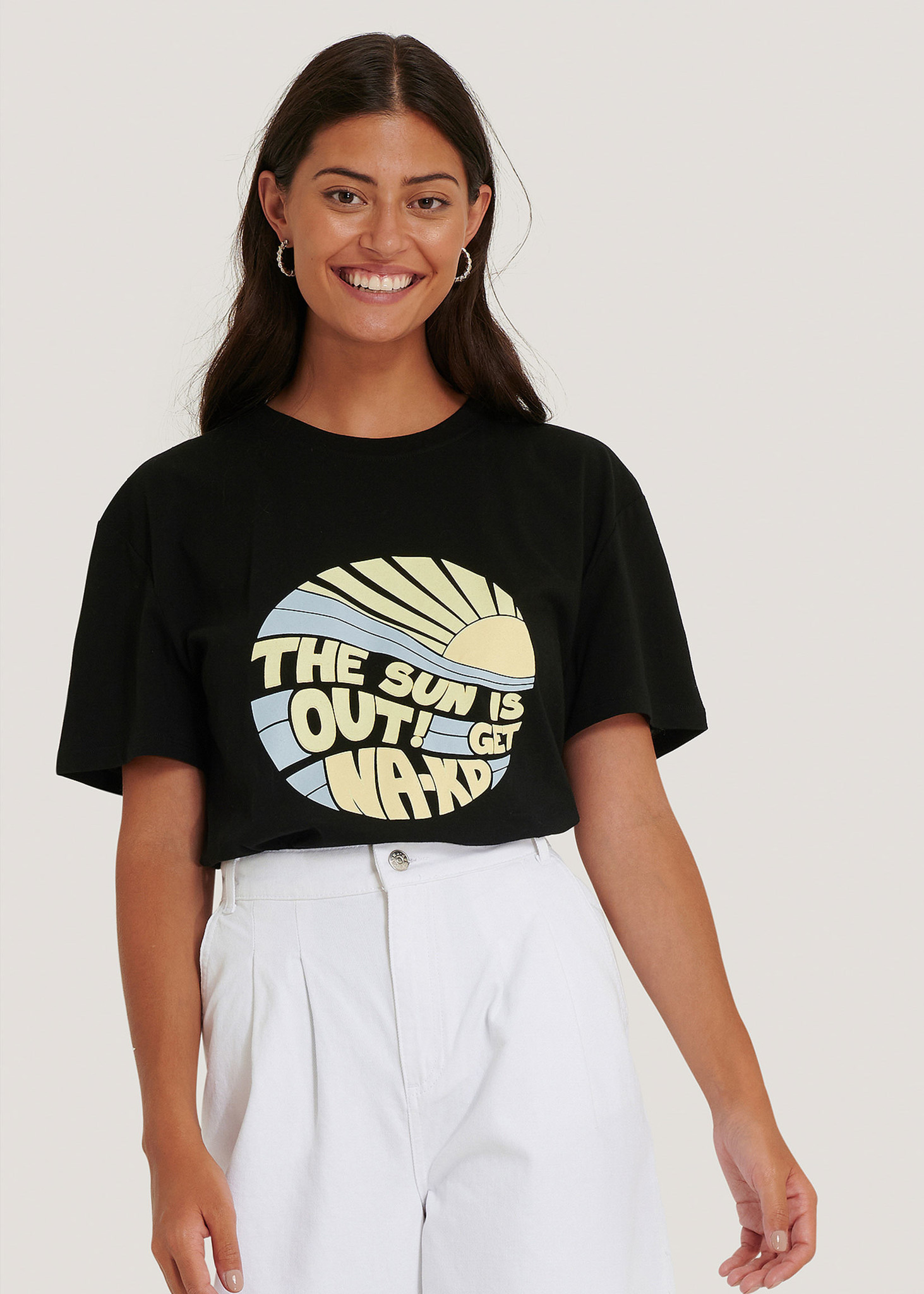 Sun Is Out T-shirt Black-1