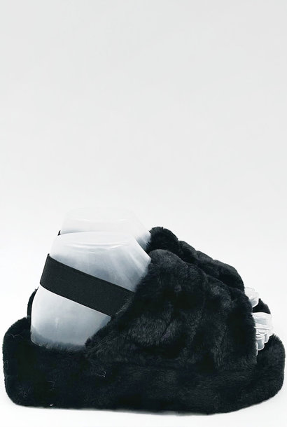Fluffy Slippers Zwart