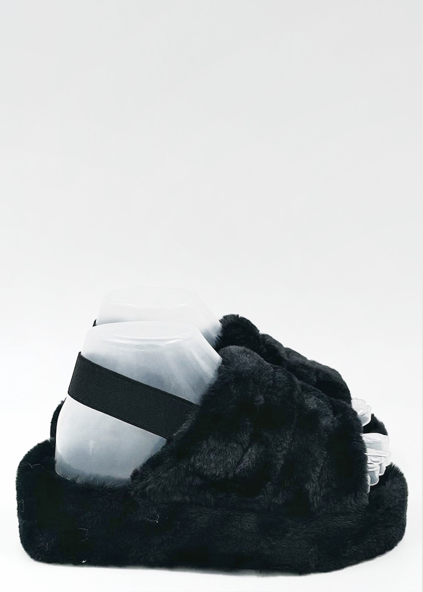 Fluffy Slippers Zwart-1