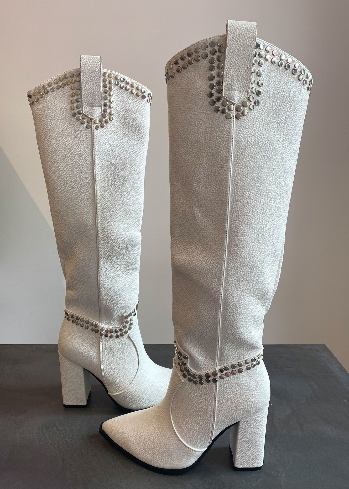 Xess Boots White-1