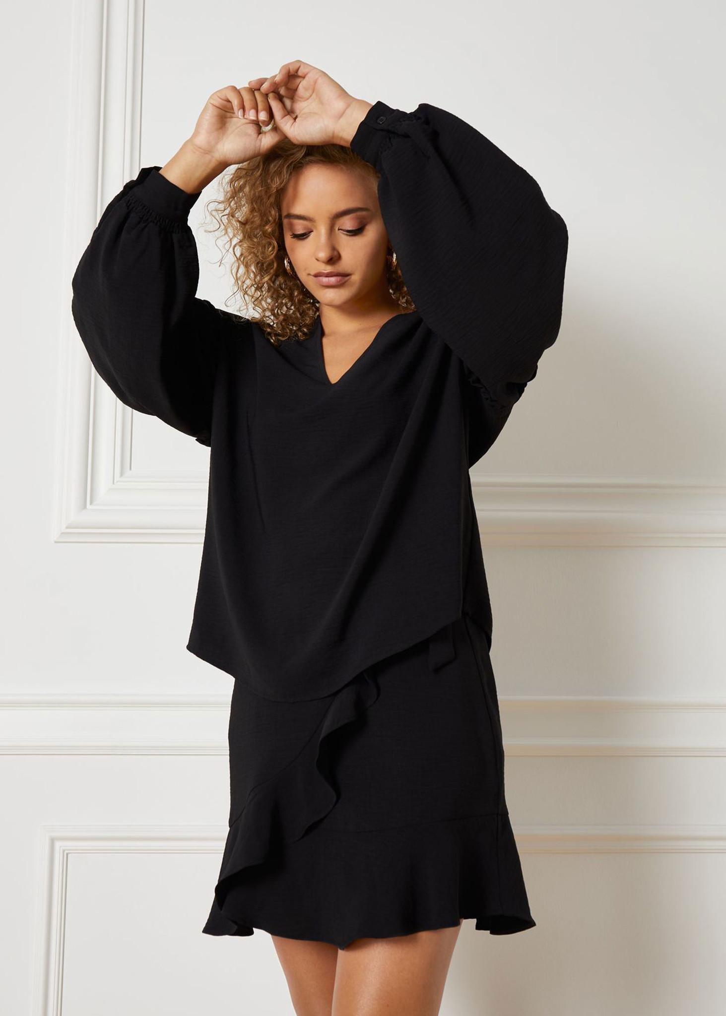 Flowy Skirt Black-1