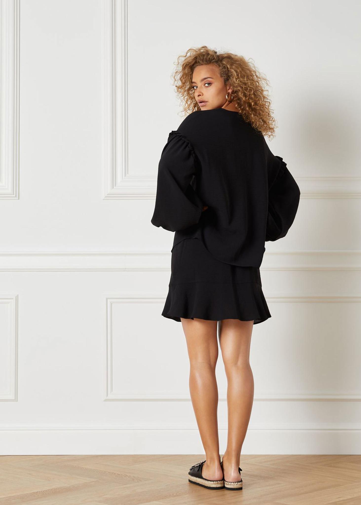 Flowy Skirt Black-3