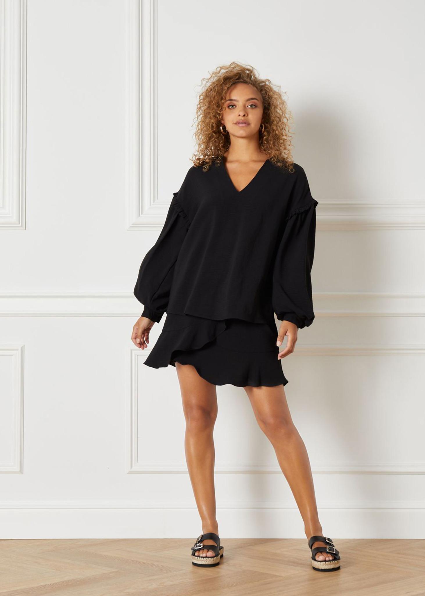 Flowy Skirt Black-4