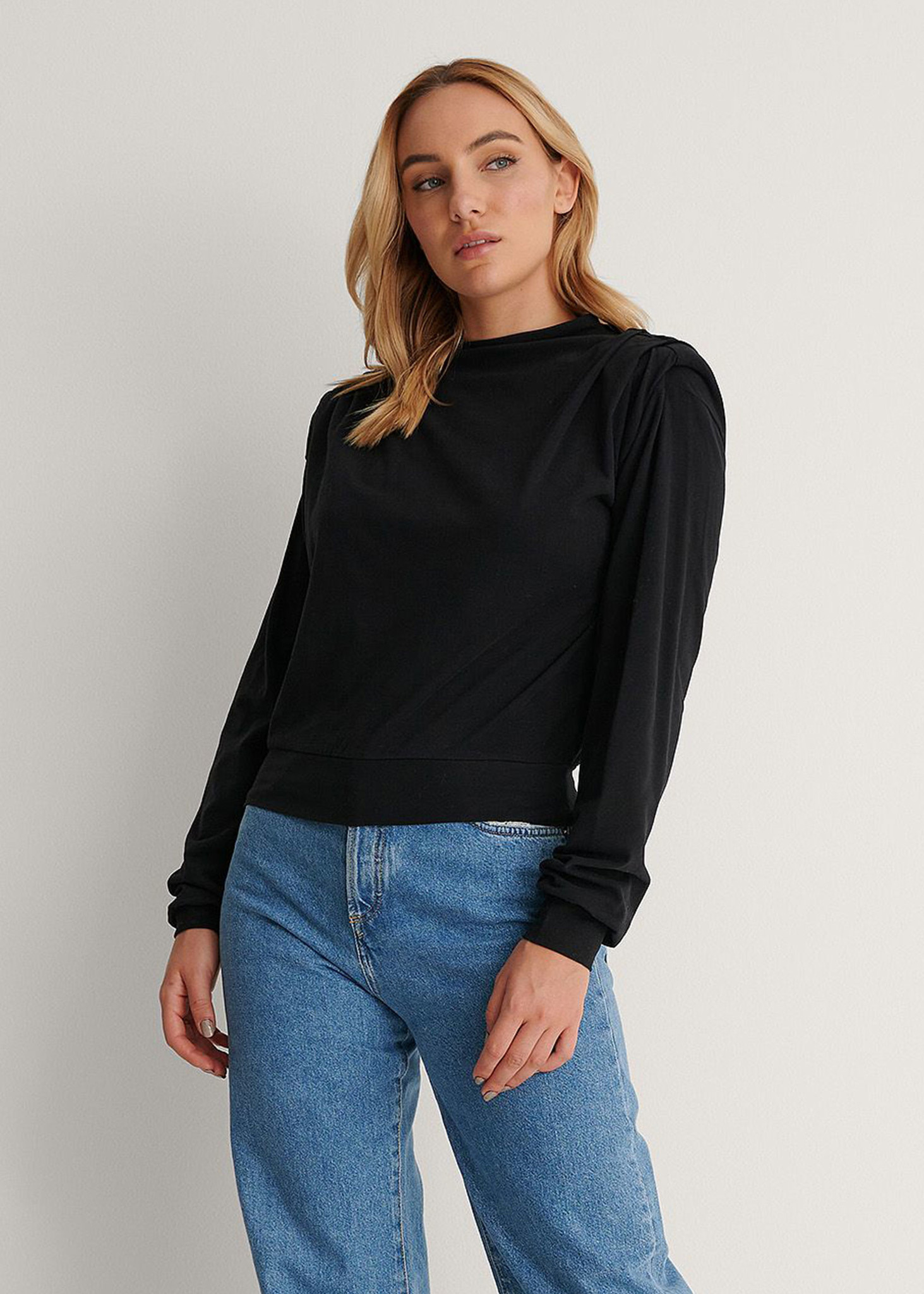 Pleated Detail Sweater Black-2