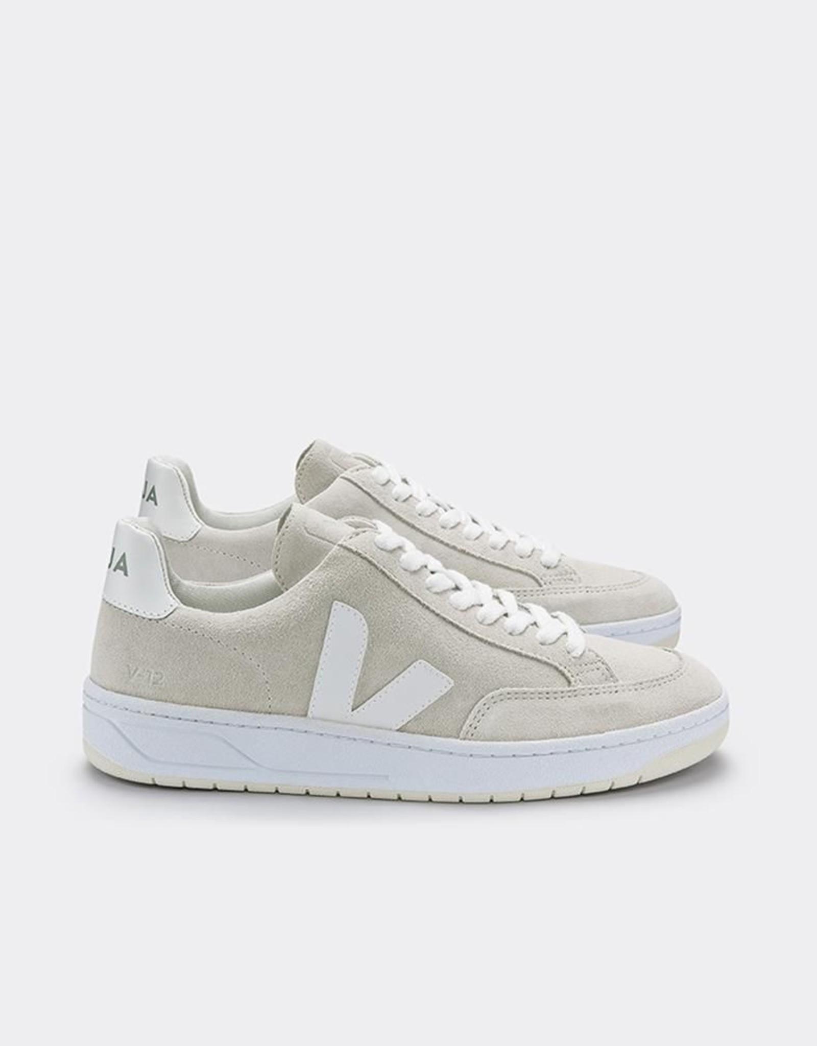V12 Suede White