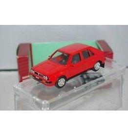Lancia LANCIA DELTA HF TURBO 4WD STRADALE(red)