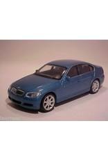 BMW BMW 330i(blue metallic)