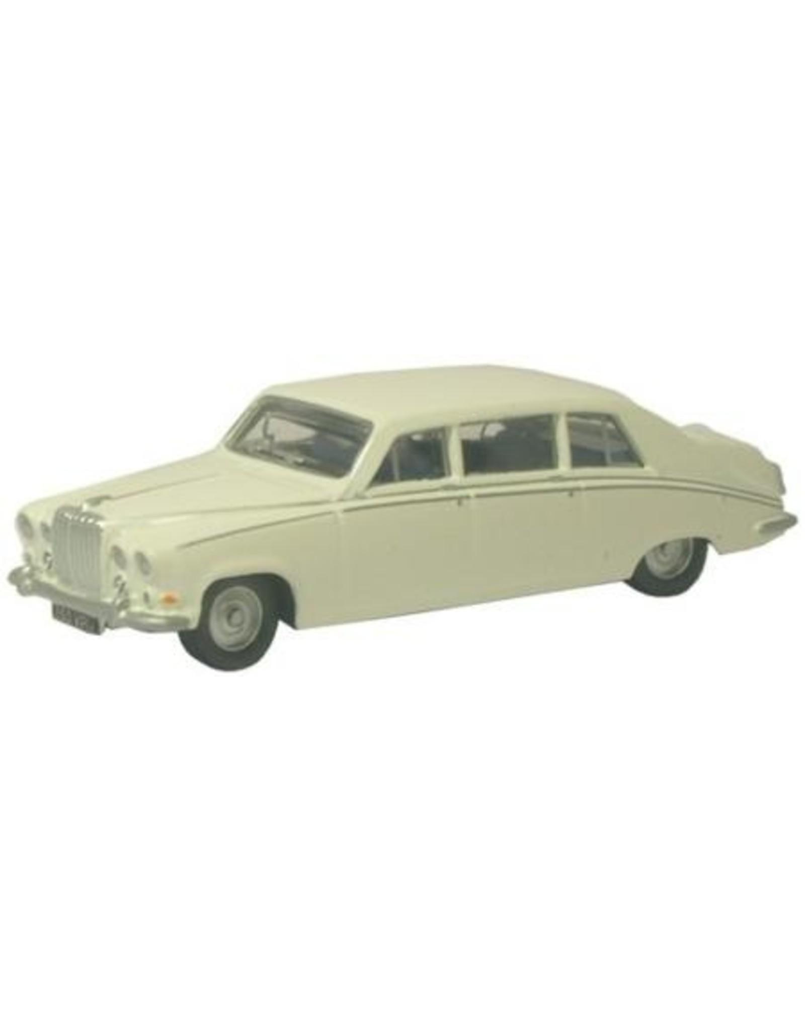 Daimler DAIMLER DS420(old English white)