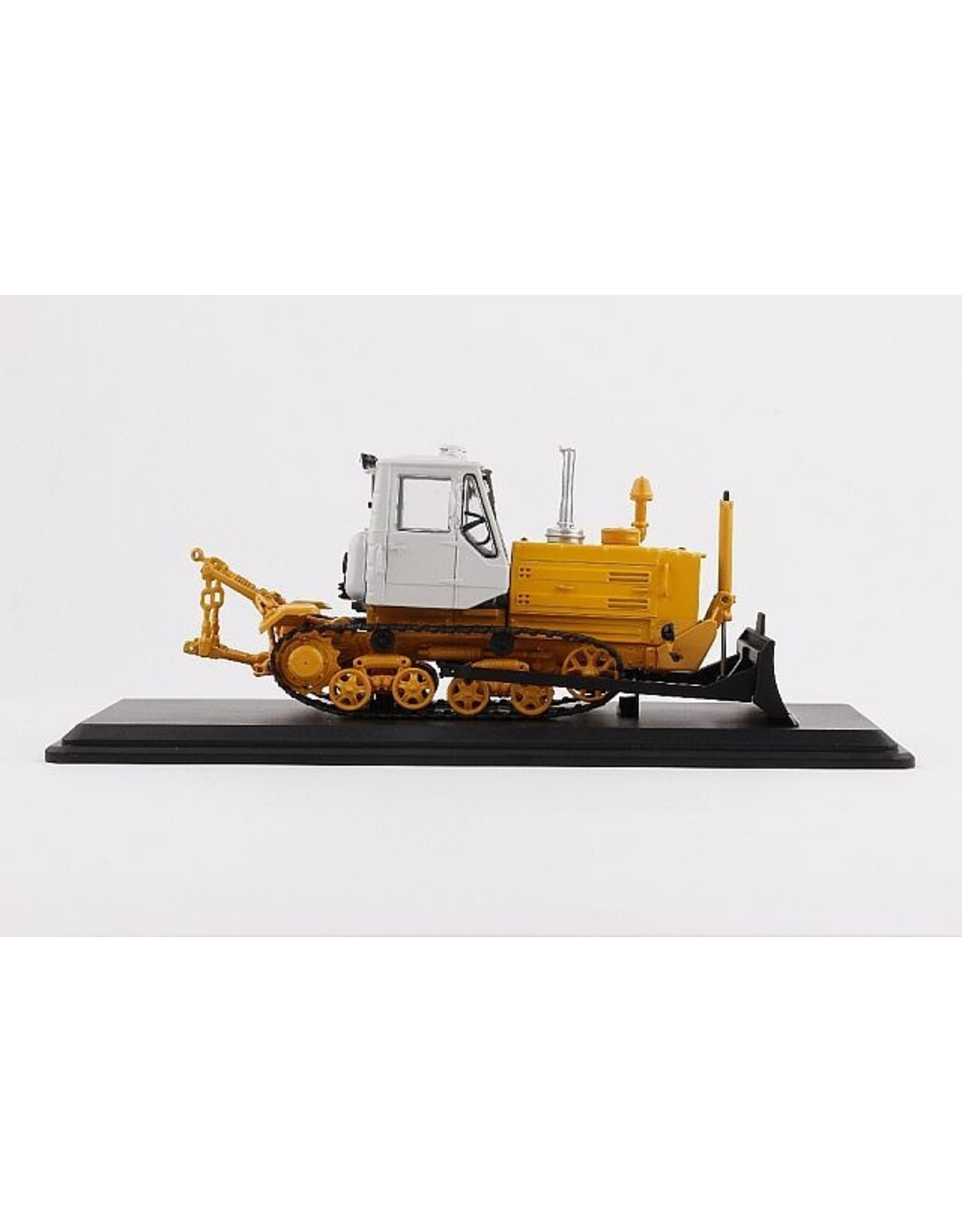 Caterpillar Caterpillar Tractor T-150 with plow(yellow/white)