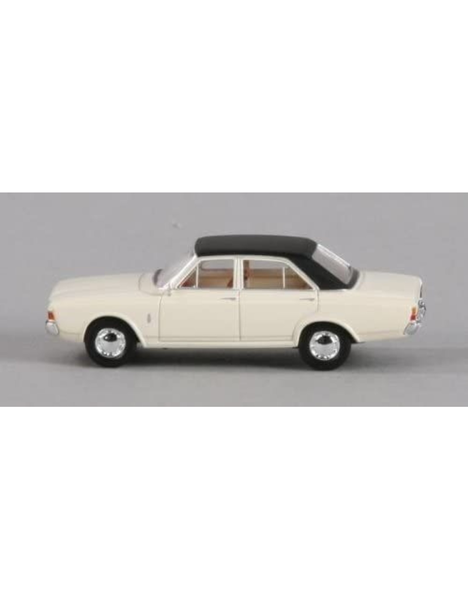 Ford Europe Ford 20M(P7a)white/black roof.