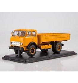 MAZ(Minski Avtomobilnyi Zavod) MAZ-500A FLATBED TRUCK(orange)