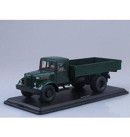 MAZ(Minski Avtomobilnyi Zavod) MAZ-200 FLATBED TRUCK(dark green)
