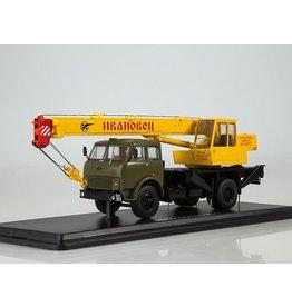 MAZ(Minski Avtomobilnyi Zavod) CRANE KS-3577(MAZ 5334)olive/yellow
