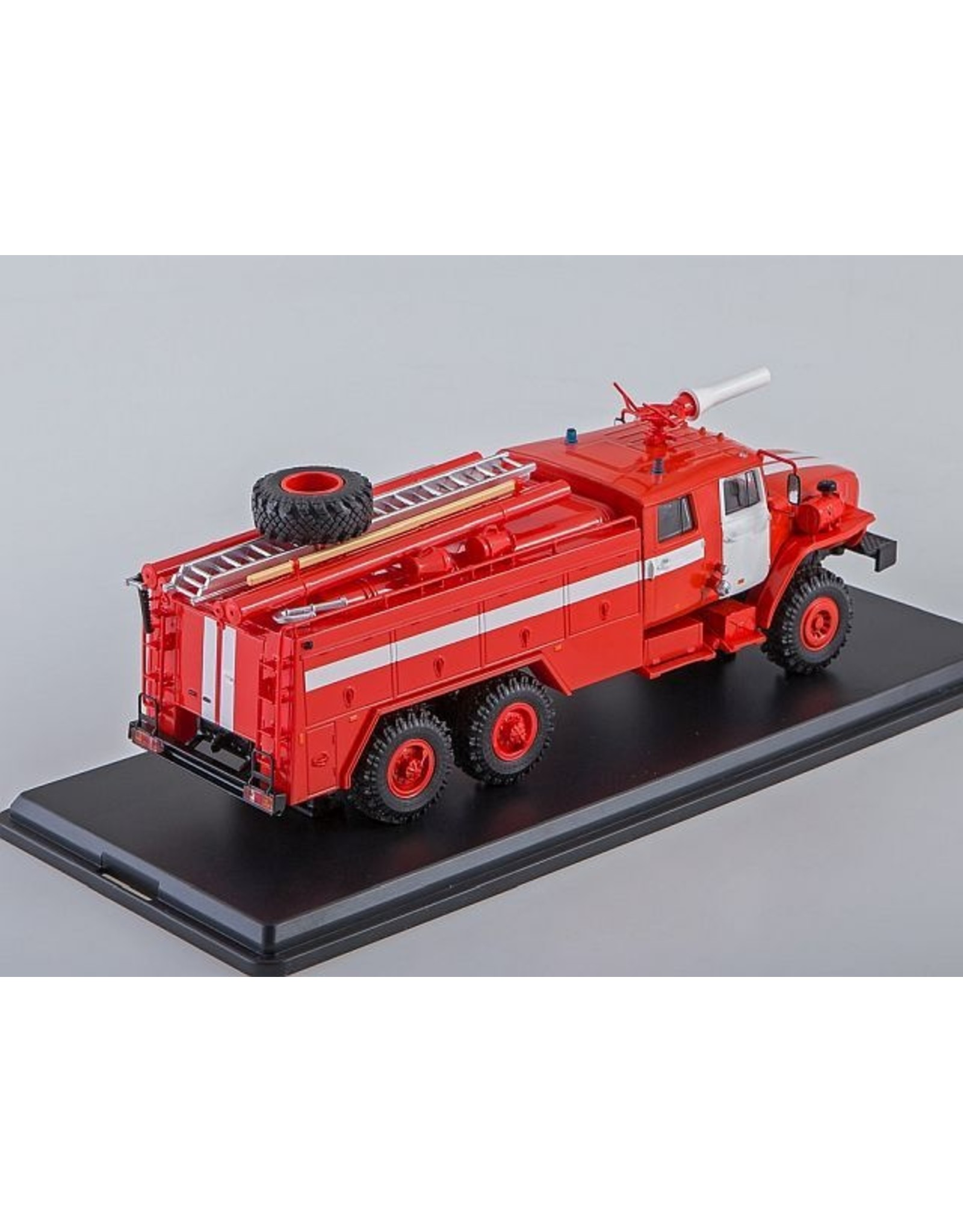 URAL AUTOMOTIVE PLANT FIRE ENGINE AC-7,5-40(URAL-4320)with white stripes