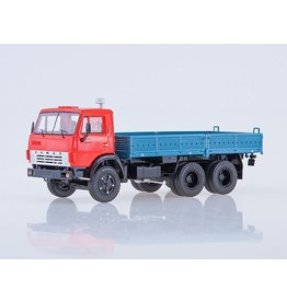 KAMAZ KAMAZ-5320 FLATBED TRUCK(red/blue)