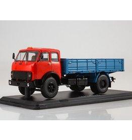 MAZ(Minski Avtomobilnyi Zavod) MAZ-5335flatbed truck(red/blue).