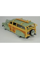 Chevrolet Chevrolet Fleetmaster Woodie with Surfboard & open rear(1948)