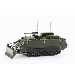 FMC M113 ARMORED GENIE CARRIER 63 WITH DOZERBLADE(Ver.Museum Burgdorf)
