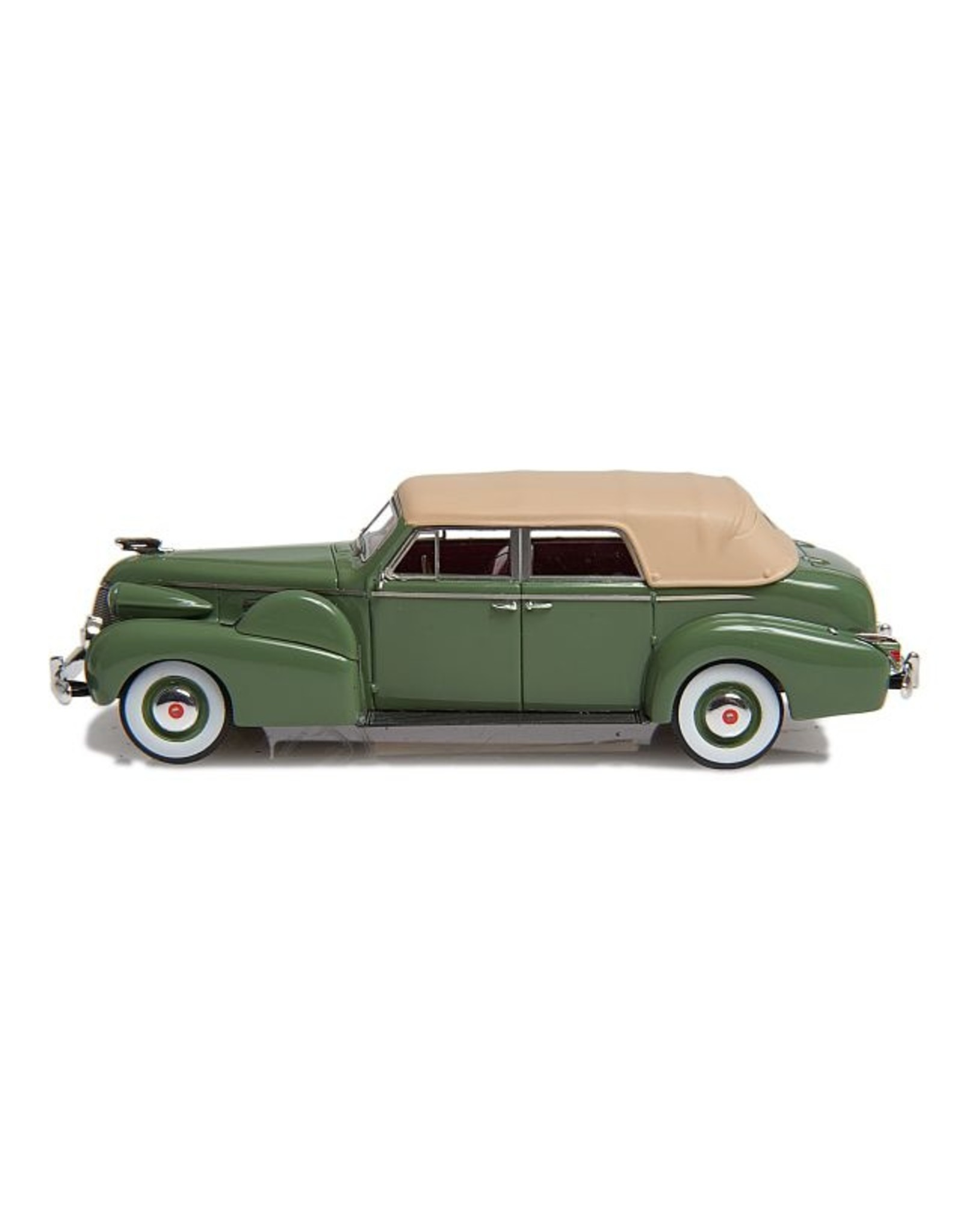 Cadillac by Fleetwood. CADILLAC SERIE 75 CABRIOLET BY FLEETWOOD(1939)closed roof-green