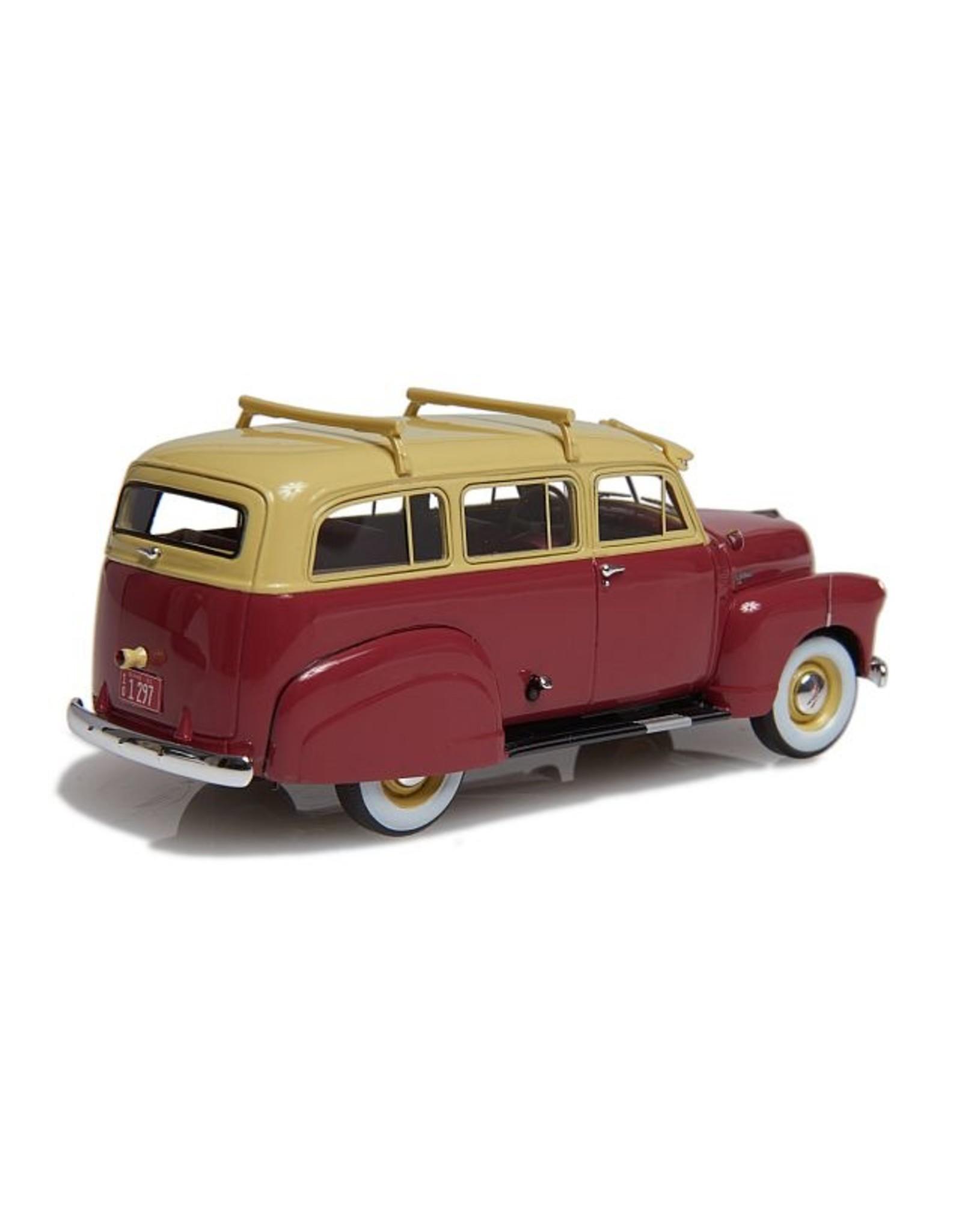Chevrolet CHEVROLET SUBURBAN -MET ZIJSCHORTEN EN ENKELE ACHTERDEUR(1949-53)beige/chestnut brown