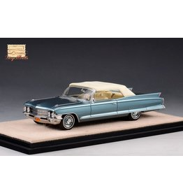 Cadillac(General Motors) Cadillac Series 62 Convertible(closed top)1962(Neptune blue metallic).