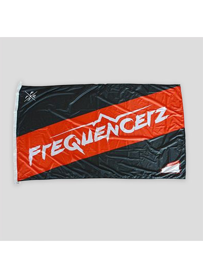 Frequencerz flag black/red