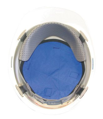 La tête de refroidissement par évaporation sous le casque de sécurité